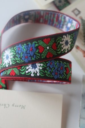2012-12 Christmas Card Ribbon 021