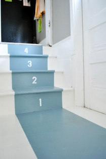 Number stairs, younghouselove.com