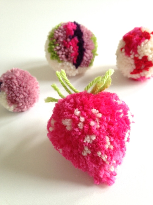 pom poms by homemadecity.com