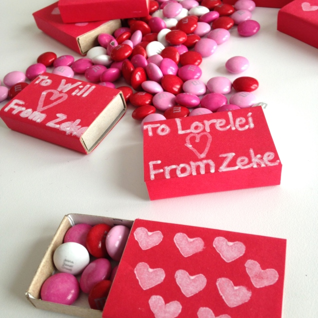 Valentine box by homemadecity.com