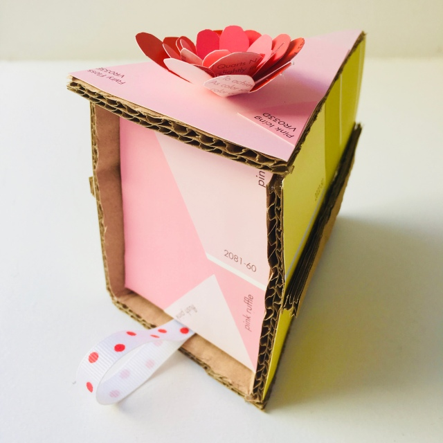 Cardboard cake by homemadecity.com
